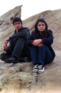 Max (Jason Behr) and Liz (Shiri Appleby)