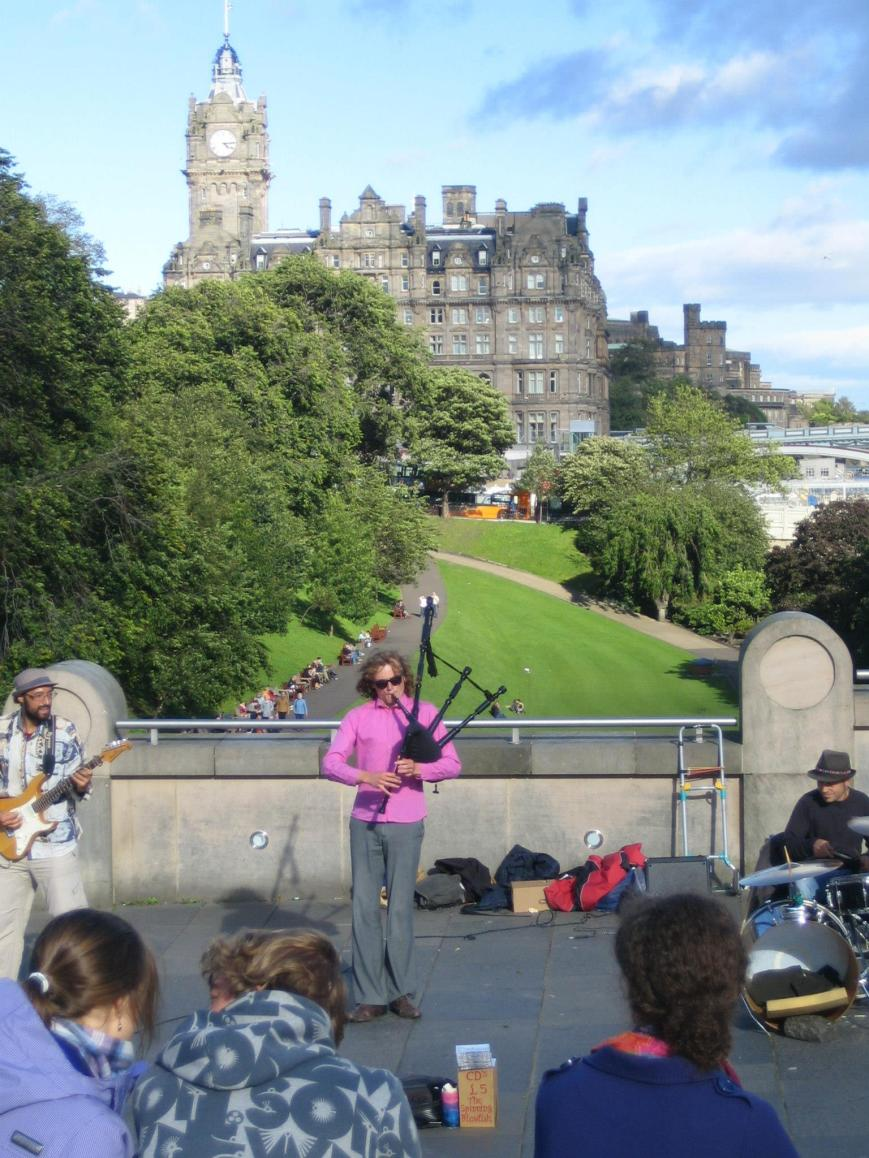 Bagpipes in Edinburgh